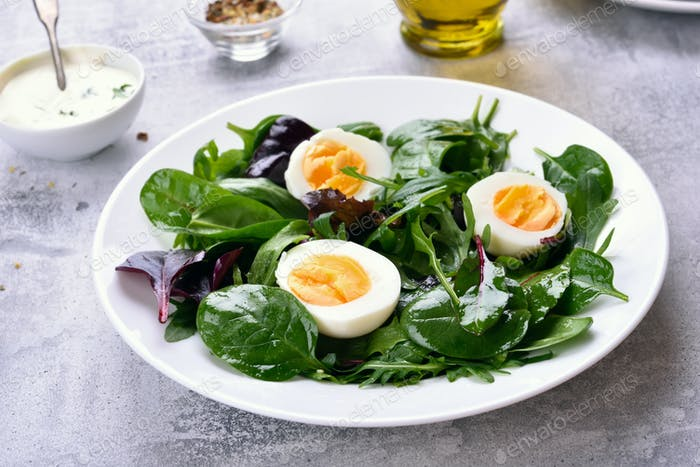 Salad with greens and eggs