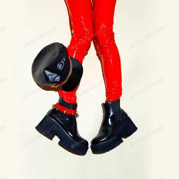 Fashion legs in platform