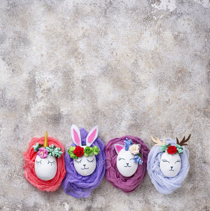 Ostereier in Form von Hase, Katze und Hirsch