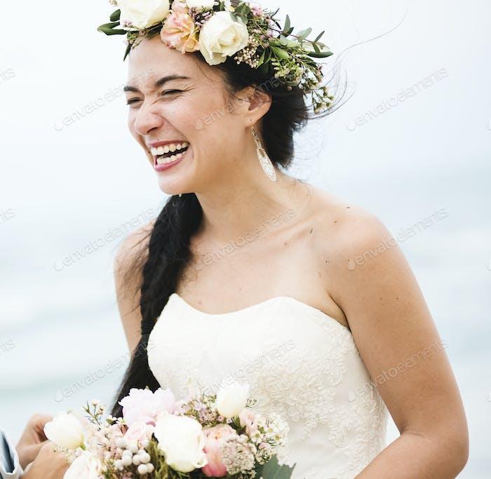 Schöne Braut am Meer