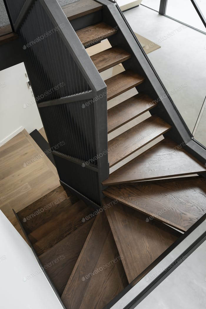 Проектная лестница