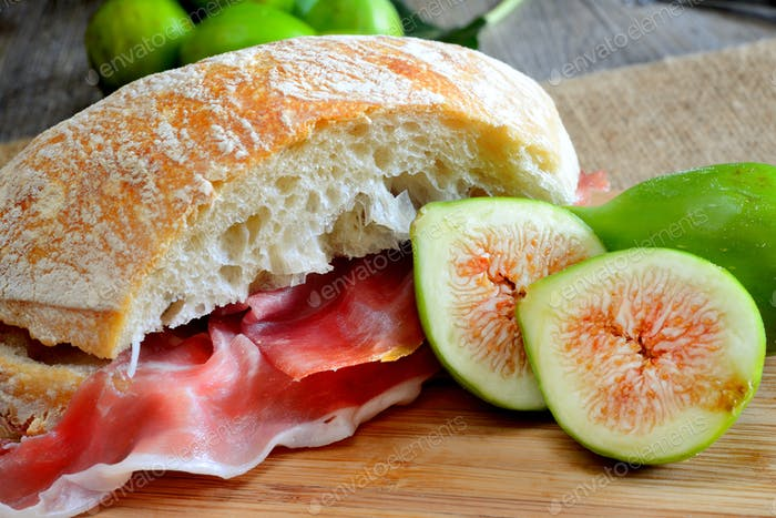 figs bread and ham