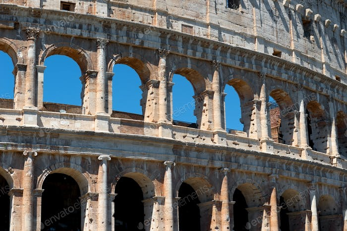 Bögen des Kolosseums