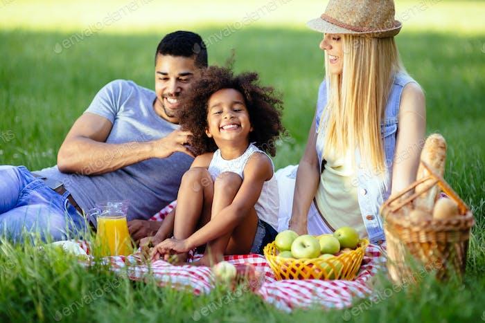 Familien-Picknick im Freien