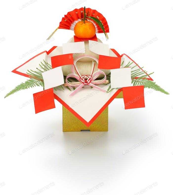kagami mochi, traditional Japanese new year rice cake decoration
