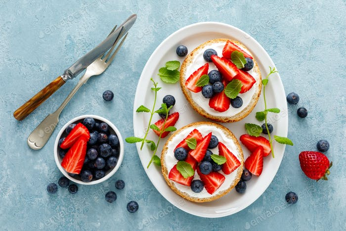 Berry sandwiches with fresh strawberry, blueberry and cream cheese
