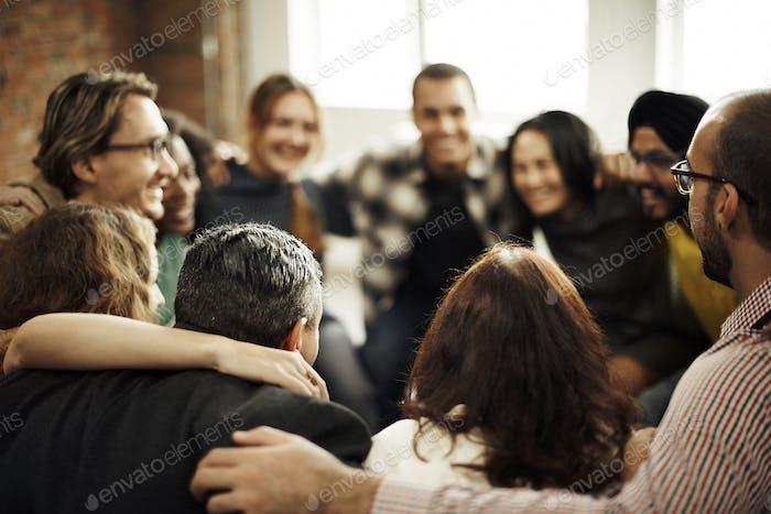 Team Huddle Harmony Zusammengehörigkeit Glückskonzept