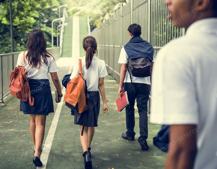 Разнообразие Студенты Друзья Счастье Концепция