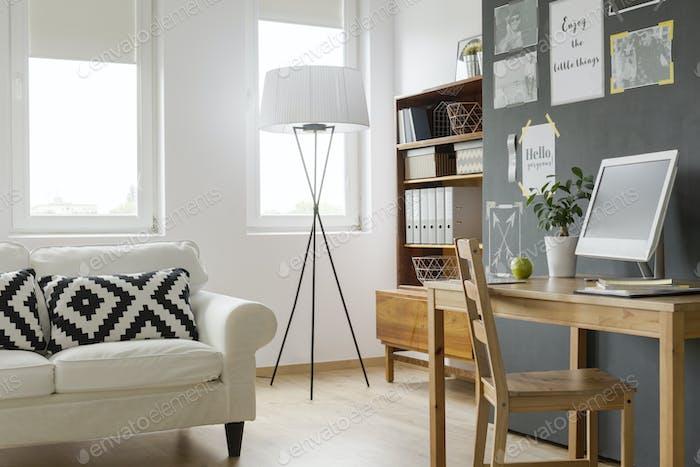 Sehr helle moderne Wohnung