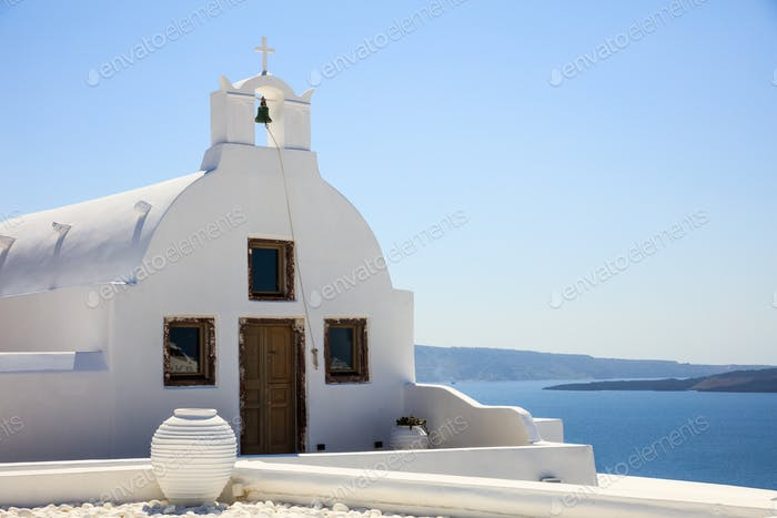 Weiße Kirche in Santorin Griechenland
