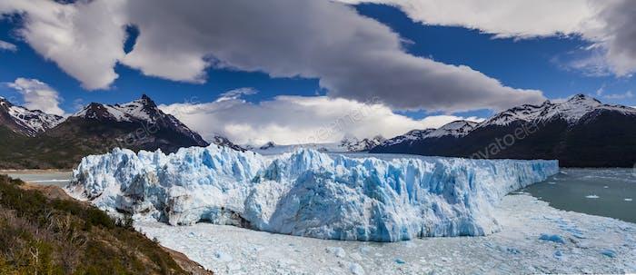 Picturesque mountain landscape with Perito Moreno Glacier. Patagonia. Argentina
