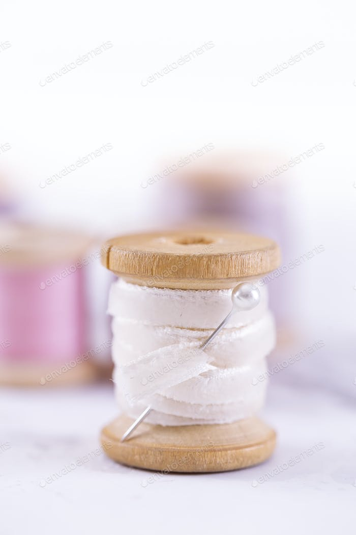 Pool of Threads over marble table