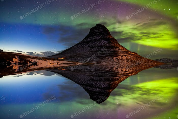Northern Light, Aurora borealis in Kirkjufell in Island.