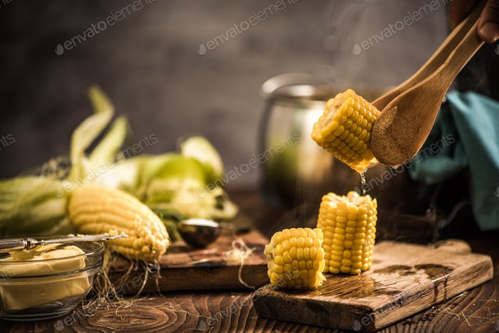 Hot corn on the cob with butter