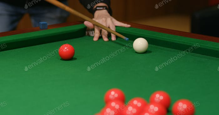 Play snooker ball on table