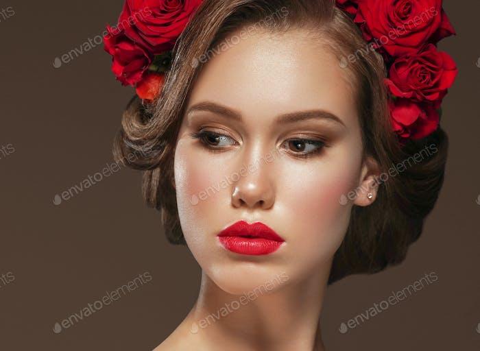 Красивая женщина портрет моды стиль