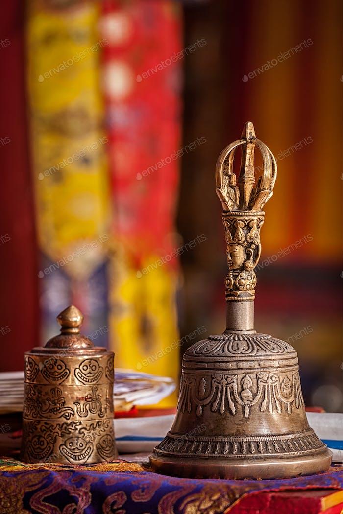 Religiöse Glocke im buddhistischen Kloster
