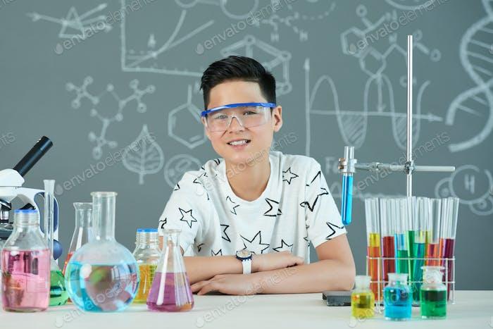 Kid learning chemistry