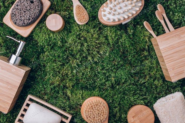 Нулевые отходы, без пластика, устойчивая концепция. Бамбуковые банные принадлежности - мыльница, дозатор мыла