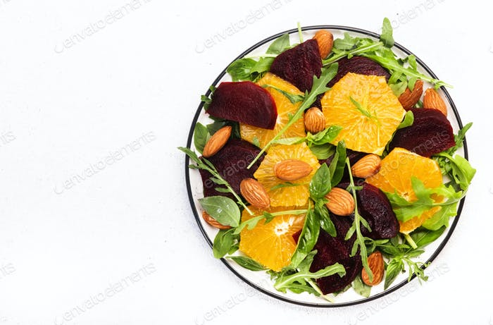 Vegane gesunde Sommernahrung