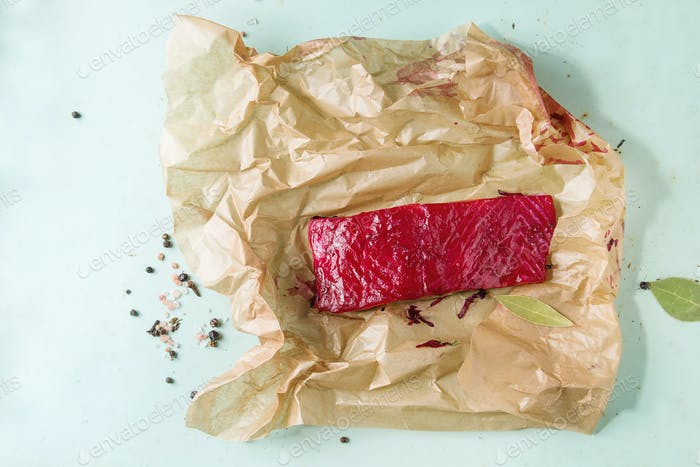 Rote Beete marinierter Lachs
