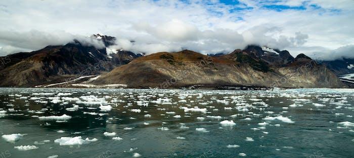 Flujo glaciar Kenai Fiordos Alaska Harding Campo de Hielo glaciar Aialik