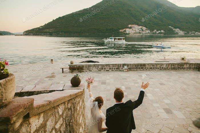 honeymoon wedding couple travel Europe