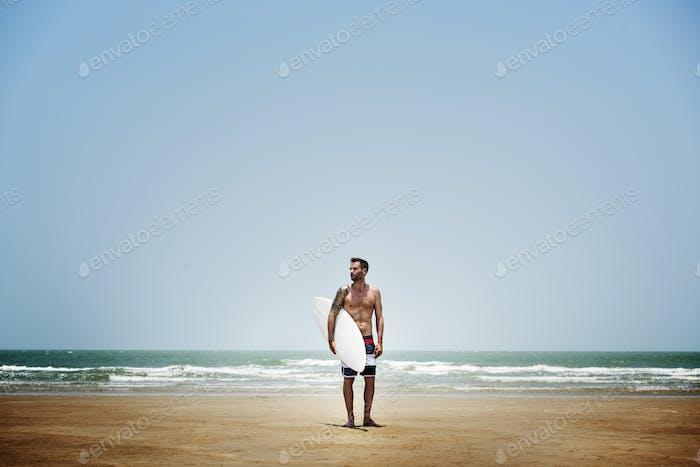 Mann Surfen Hobby Strand Konzept