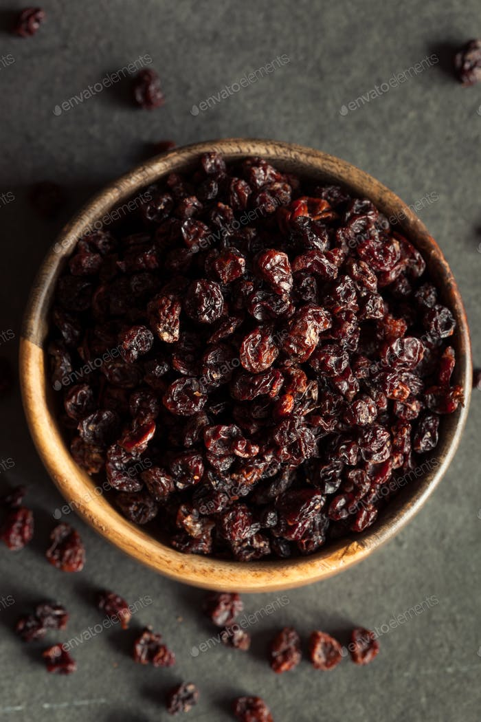 Homemade Dry Black Currants