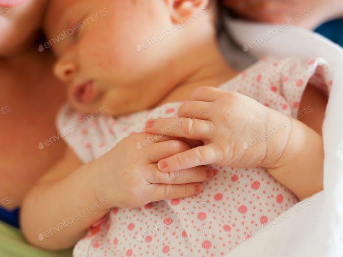 Schließen von kleinen Händen