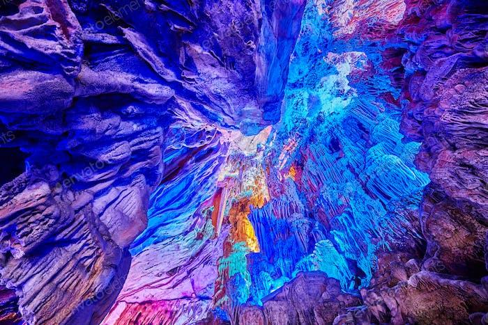Decke der Schilfflötenhöhle, China.