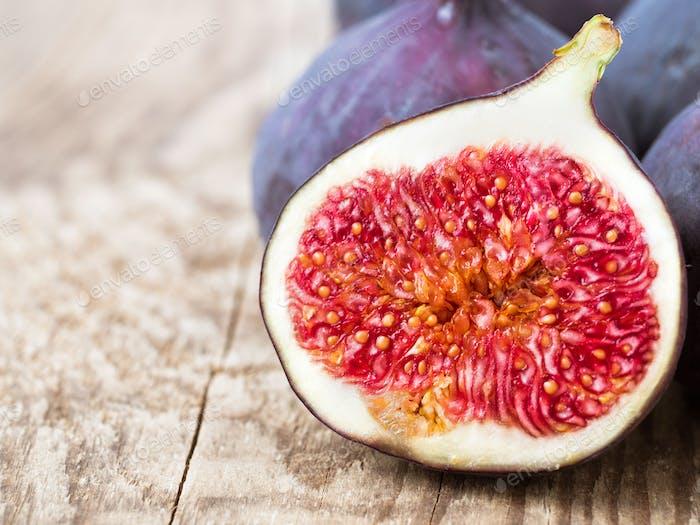 fresh Fig and cut off half
