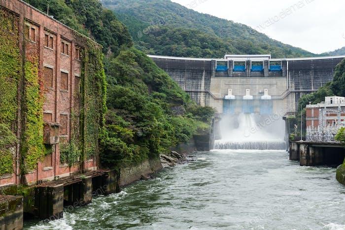 Dam water release