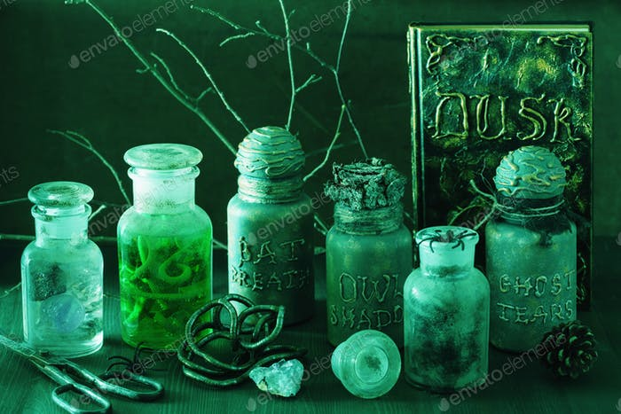Hexe Apotheker Gläser Magie Tränke Halloween Dekoration