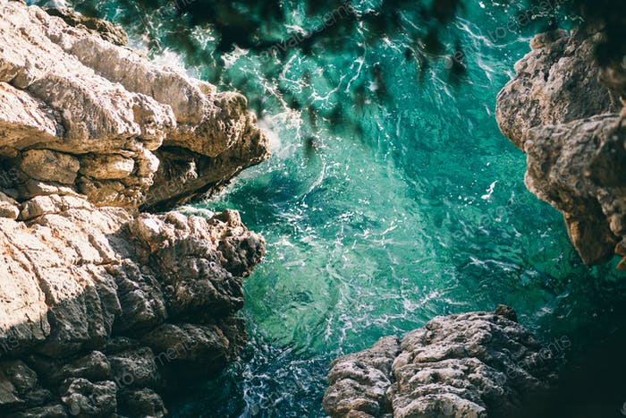 türkisfarbener Meerwasserstrand