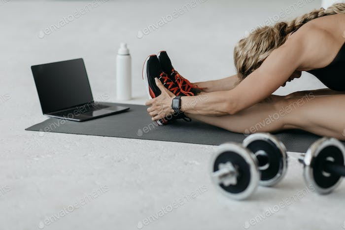 Online fitness workout and advanced training at home