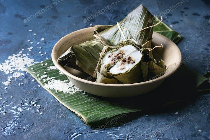 Rice piramidal dumplings