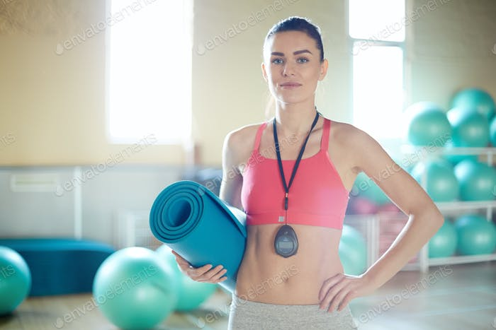 Trainer with mat