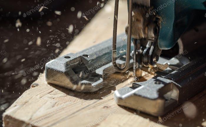 Electrical power jigsaw