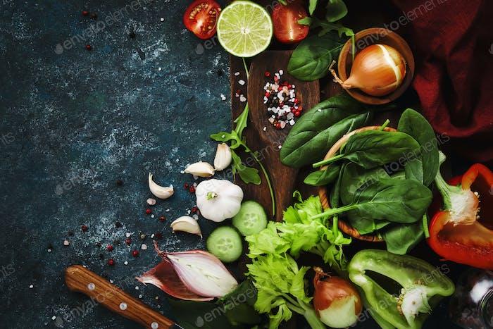 Salatherstellung Zutaten