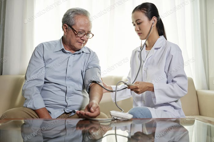 Doctor controlling the patient condition