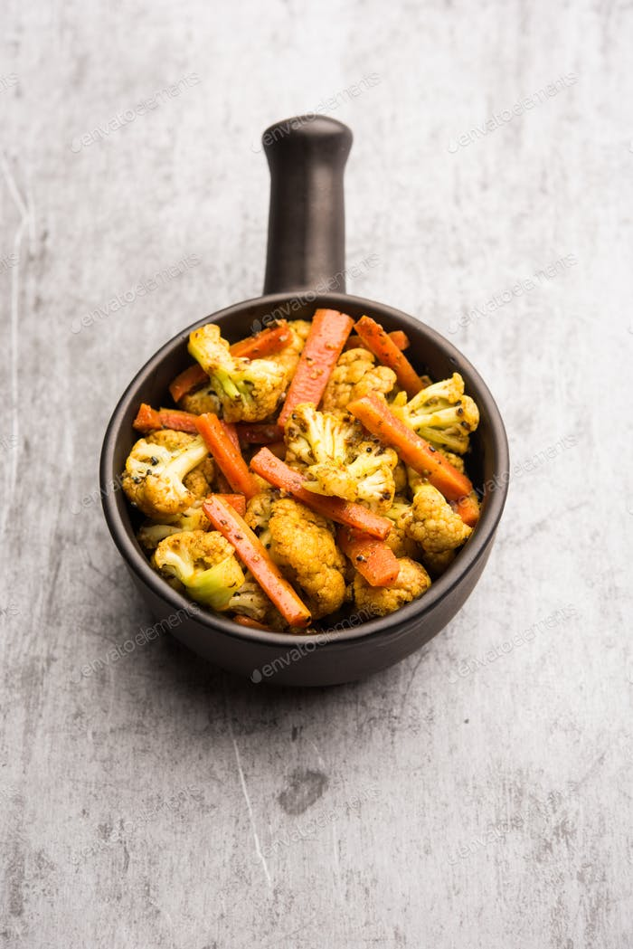 Indische Karotten Blumenkohl Gurke