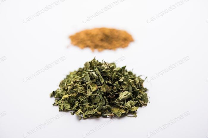 Kasoori methi o hojas de alholva secas