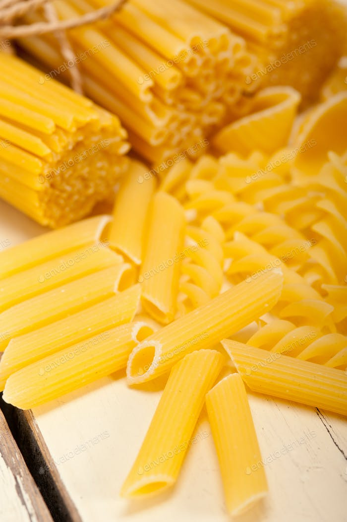 Bündel italienischer Pasta Typ