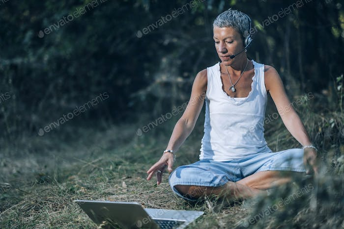 Working Remotely from an Outdoor Space