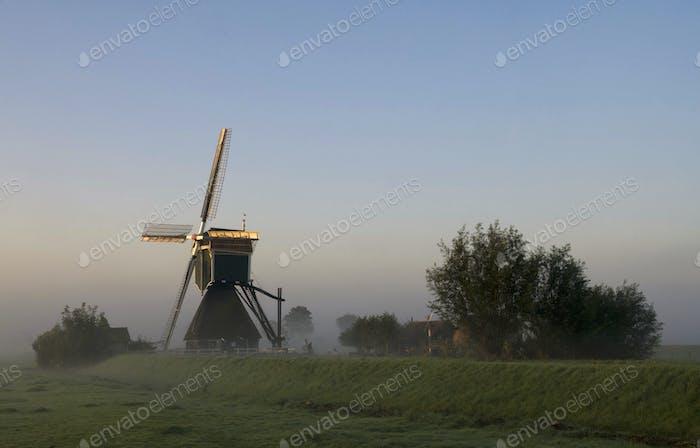 Wingerdse windmill near Oud-Alblas