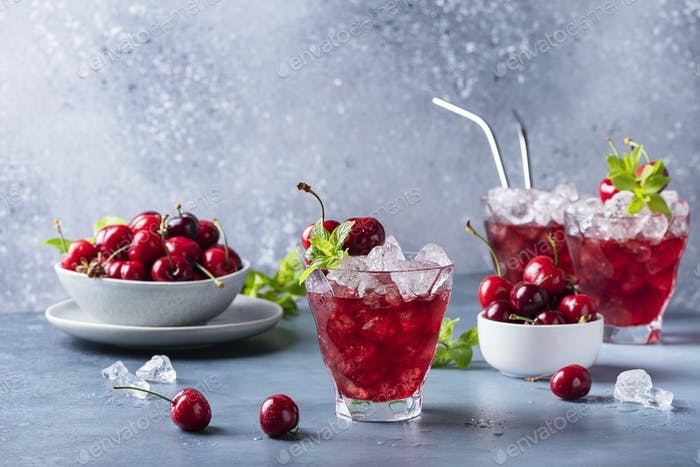 Summer alcholic coktail with cherry