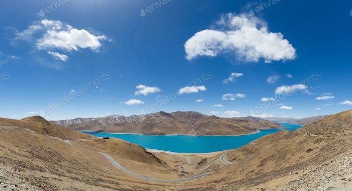 tibet holy lake yamdrok panorama