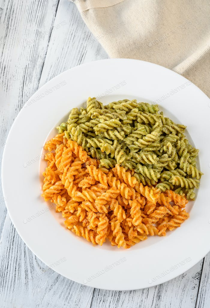 Fusilli with traditional and tomato pesto