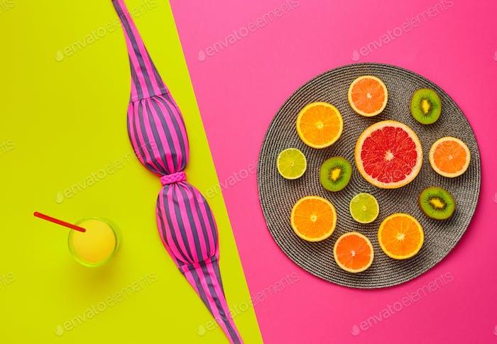 Modisches Design. Tropisches Sommerset. Helle Farbe